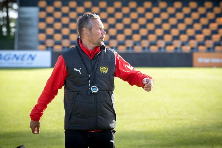 En tänkt startelva mot Malmö FF, var ska Mjällbytränaren Marcus Lantz hitta den?