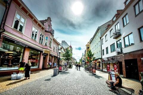 Cityhandeln tappar kraftigt – men fler kommer till Kristianstad för att sova