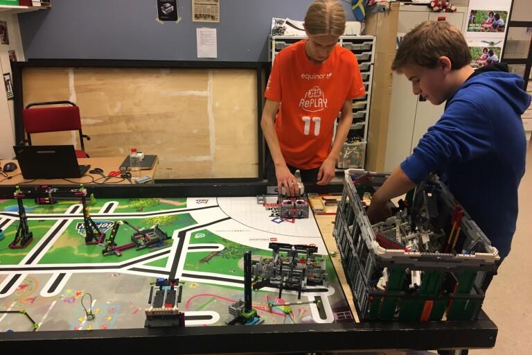 Fagrabäckselever når framgång i robottävling