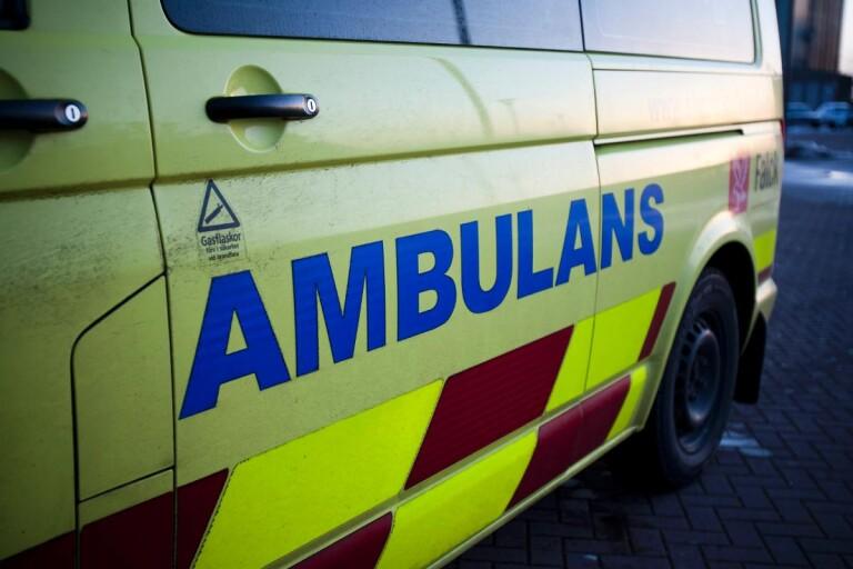 Treårigt barn påkört av bil – fördes till sjukhus