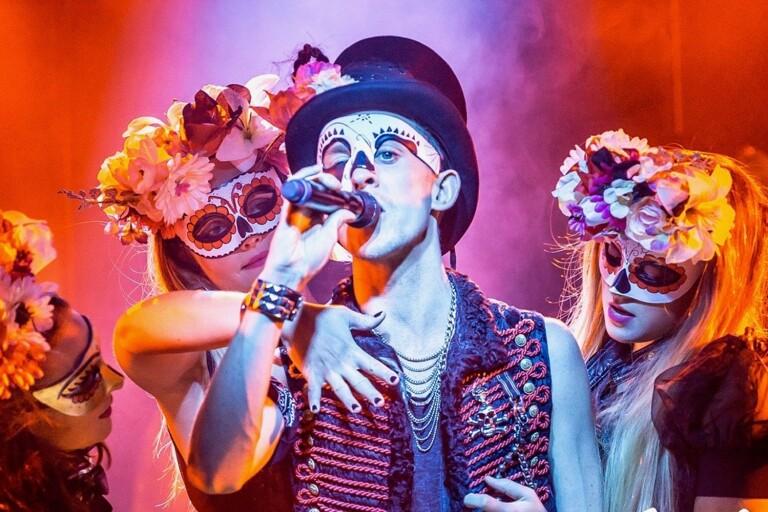 """Artisttruppen Wallmans On Tour utgörs av sex artister som ska göra """"en show skapad för både en internationell och skandinavisk publik""""."""