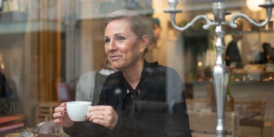 """Anna Wahlstam från Kalmar bloggade om inredning och husrenovering när livet kom emellan och bloggen blev en kanal där hon kunde berätta om sin bröstcancer. Idag bloggar och poddar hon om sina erfarenheter med målet att berätta att """"allt är inte ett fluffigt moln av rosa, utan livet innebär en hel del """"bumps on the road""""."""