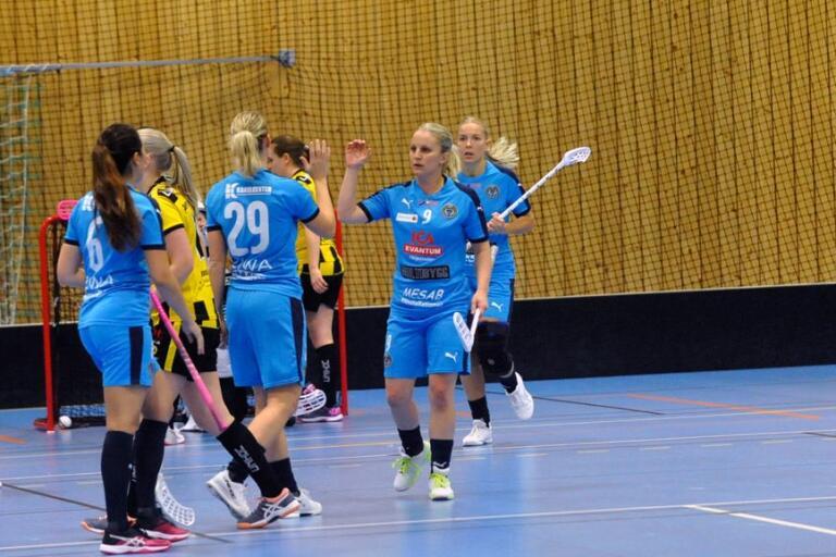 Danielle Warme spelade i SSL med FBC Kalmarsund för ett par säsonger sedan. I söndagens division 1-match borta mot Östra svarade hon för 5+1 när gästerna vann med 6-2.