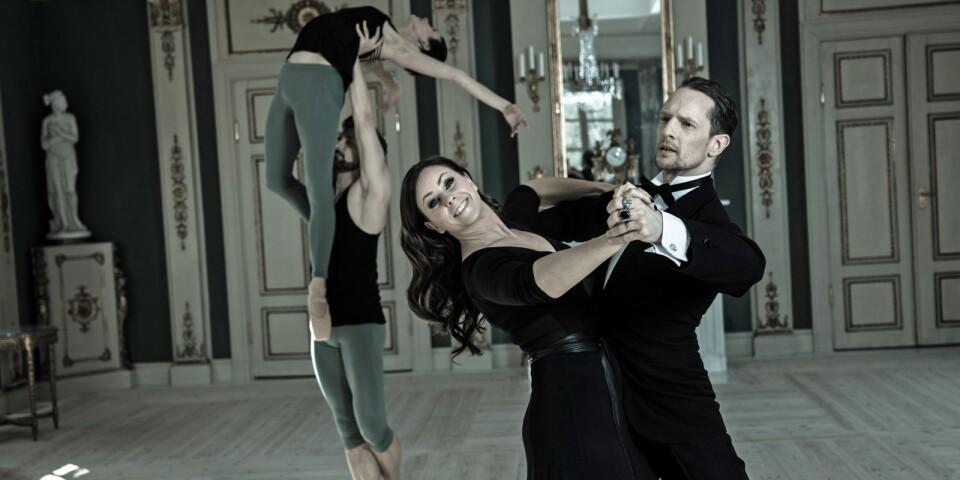 Balett möter ballroom och Katariina Edling och Dragos Mihalcea möter Helena Fransson och Tobias Wallin på en skolscen i Tingsryd.