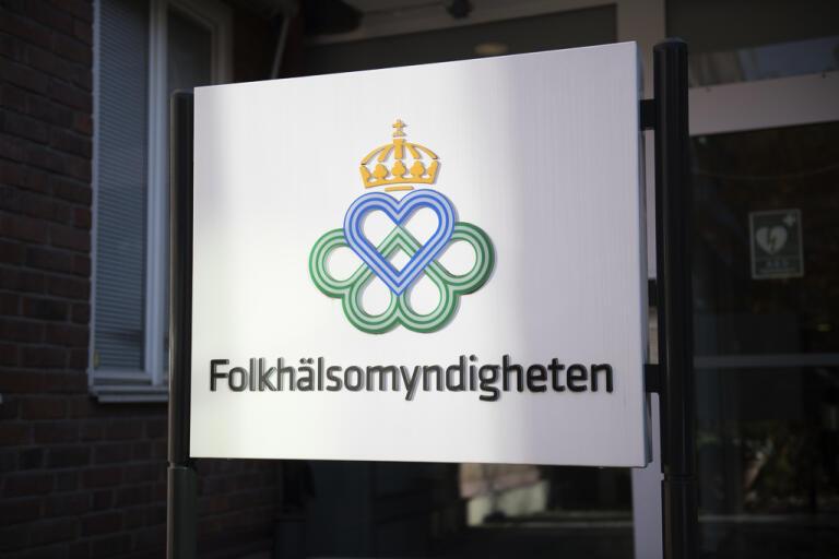 Svenskarna får vänta ytterligare på ett besked om resande i sommar. Arkivbild.