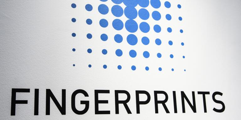 Fingerprint Cards vände till vinst