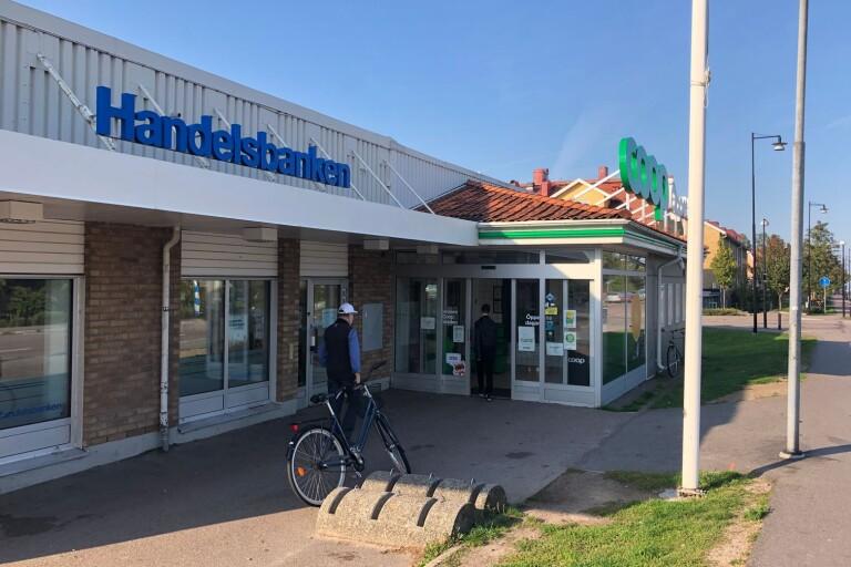 Handelsbanken lägger ner 180 kontor. Om kontoret i Färjestaden (bilden) eller i Borgholm påverkas är inte klart.