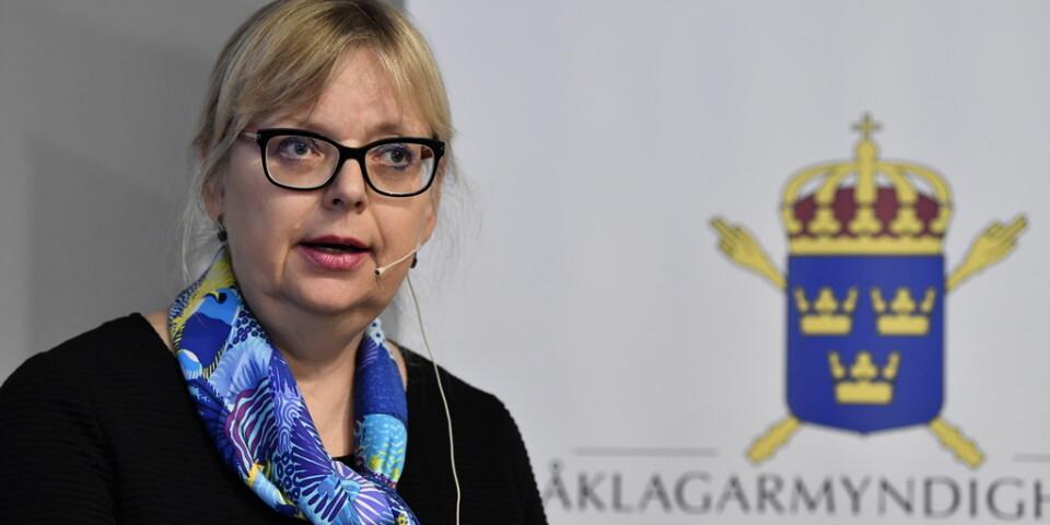 Åklagare Eva-Marie Persson lägger ned förundersökningen mot Julian Assange, berättar hon vid en pressträff.