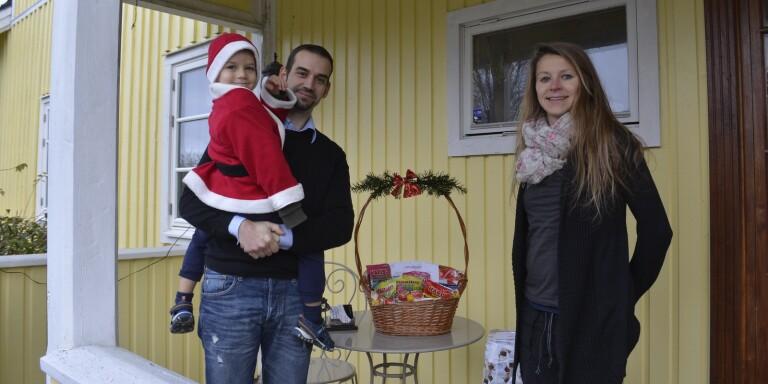 Tjeckiskt julspel lockade ut byborna