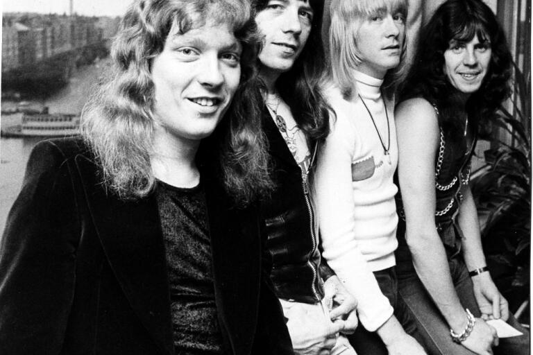 Popgruppen The Sweet på Sverigebesök i oktober 1974. Från vänster Steve Priest, Andy Scott, Brian Conolly och Mick Tucker. Arkivbild.
