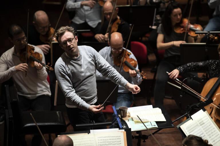 Daniel Harding, chefsdirigent för Sveriges Radios symfoniorkester, dirigerar två konserter i Berwaldhallen i juni. Arkivbild.