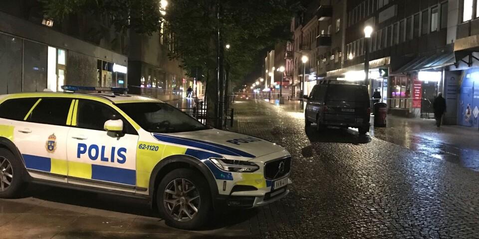Polisen spärrade av ett område på Östra Boulevarden.