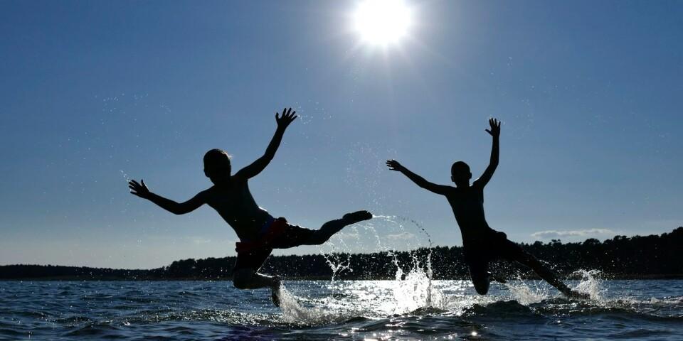 Med soligt och fint väder så innebär det strandväder för många och det märks inte minst längs Åhus alla badplatser.
