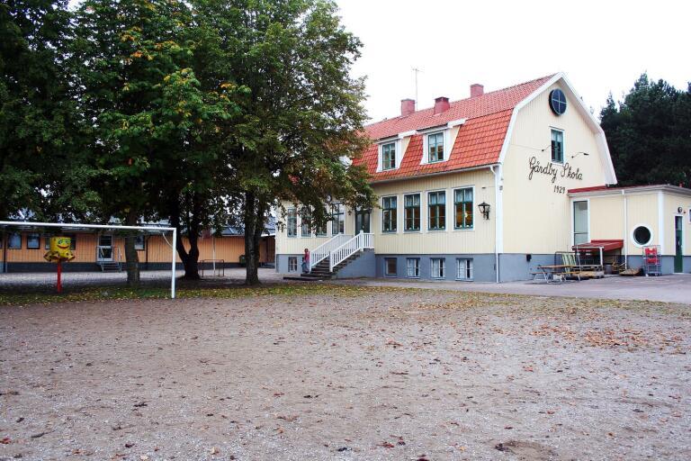 Rektorskarusellen: Söker ny rektor till Gårdby skola