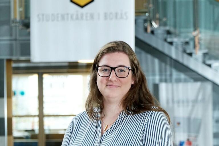 Amanda leder tusentals studenter i Borås