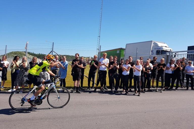 Chefen förlorade vadet - fick cykla från Växjö till Kalmar