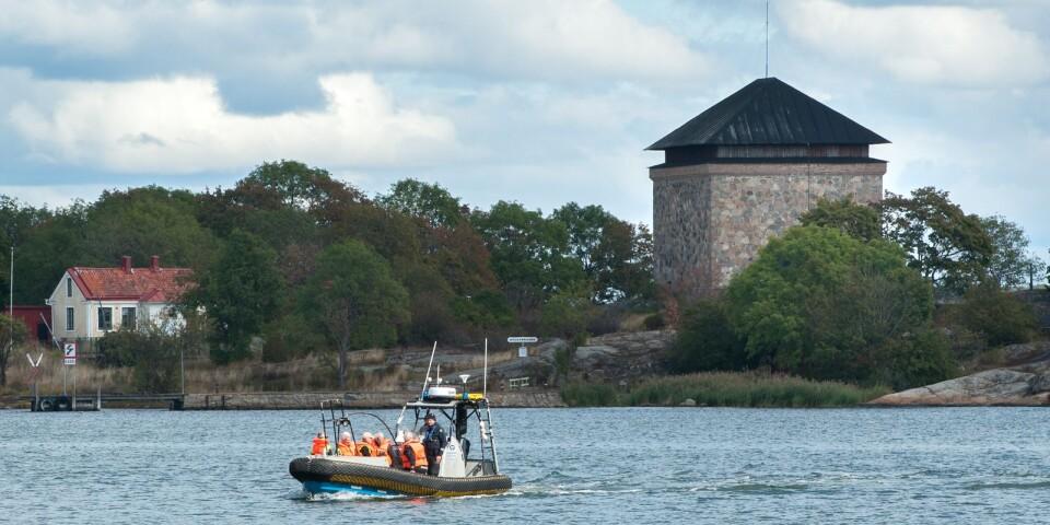 Omfattande sökinsatser har genomförts sedan slutet av juli i Karlskrona skärgård, både i vattnet och på land.