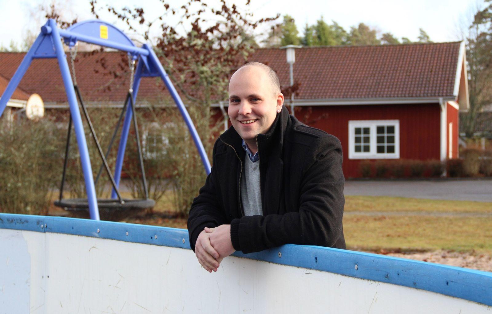 Henrik Nilsson, drivande kraft i Älmeboda socken, engagerad i friskola och utvecklingsbolag, prisades för två år sedan.