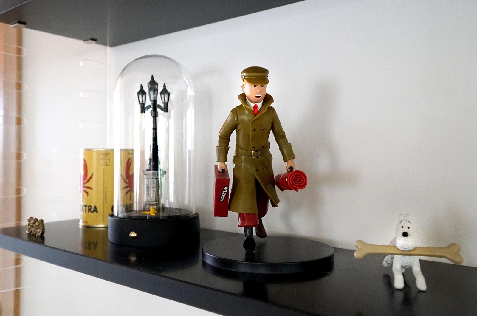Det finns gott om lekfulla inslag i hemmet. Tintin är en favorit som dyker upp här och där.