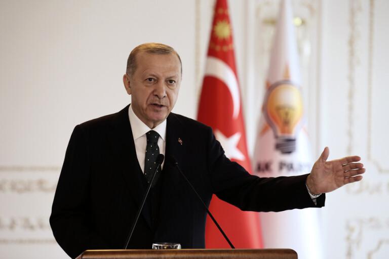 Pressad Erdogan hoppas plötsligt på Europa