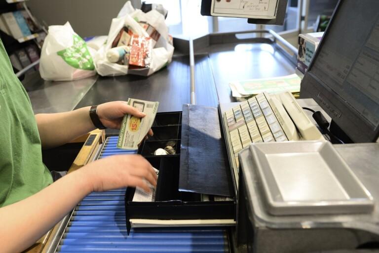 Kassörska ändrade kvitton – stal kvarts miljon