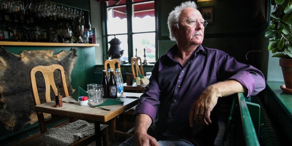 """Skänken på Brösarps Gästgifveri är en central mötesplats i Mikael Törnemans debutroman """"Debaclet i Brösarp"""", en historia som kretsar kring handeln med rovgrävda antikviteter."""
