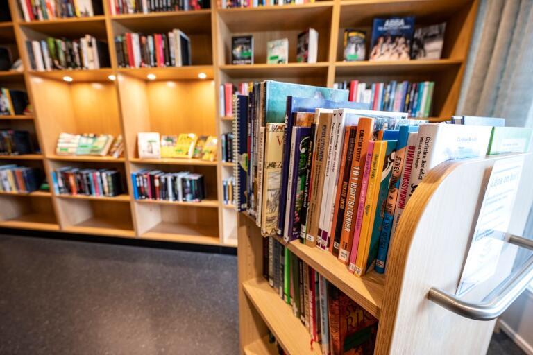 Kulturrådet fördelar 220 miljoner kronor för att stärka folkbiblioteken