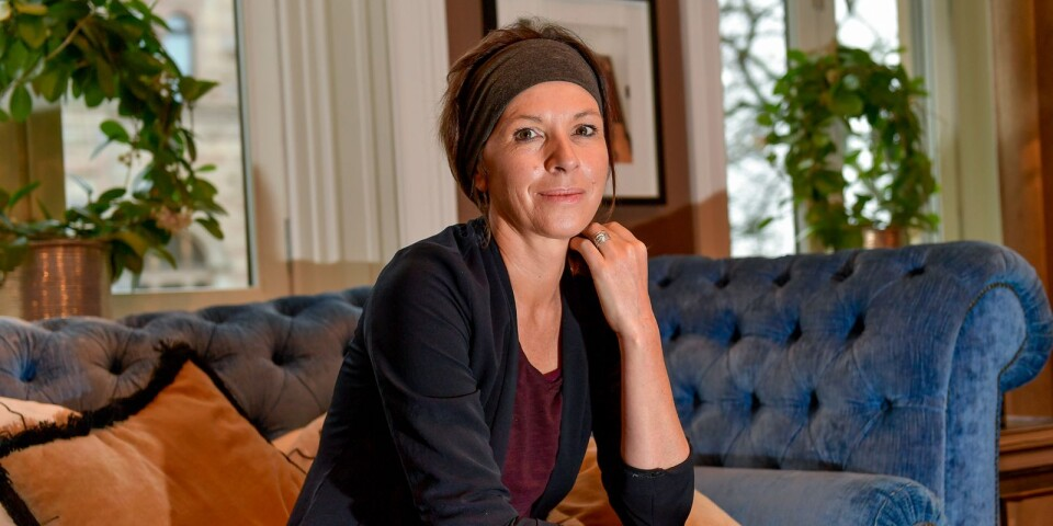 Den kanadensisk författaren Rachel Cusk  tar över i toppen på boklistan.