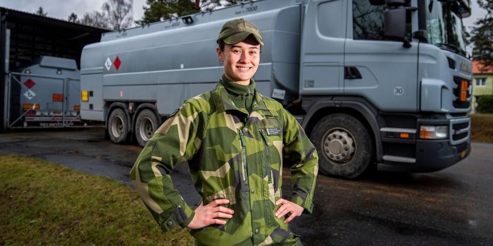 Alexia Lillhav jobbar som drivmedelssoldat på F17.