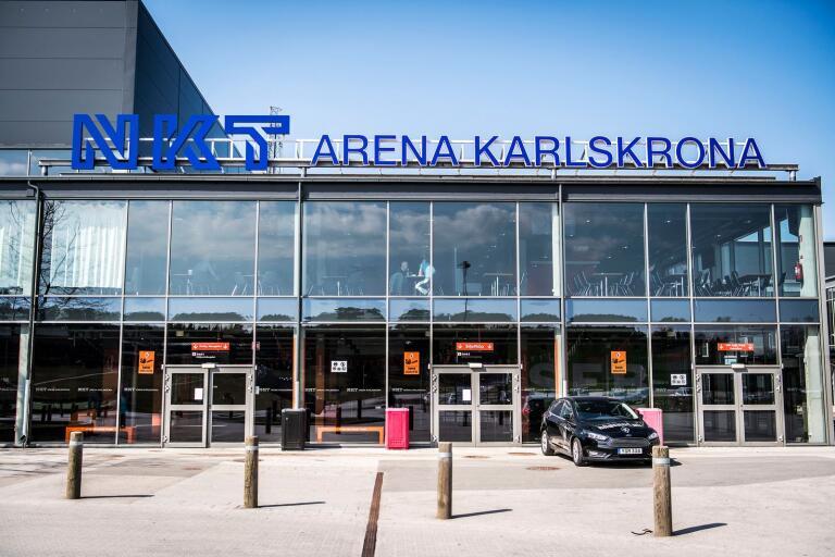 KHK har investerat för 7,5 miljoner kronor i NKT Arena Karlskrona. De ville att kommunen skulle betala räkningen – men klubben får bara tre tusen kronor.