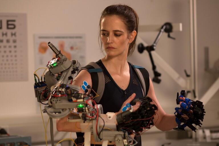 "Eva Green imponerar i rollen som rymdfarande mamma i ""Proxima""."