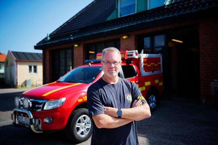 Mats Pettersson utanför byggnaden som Anderslövs räddningstjänst huserat i sedan 1967.