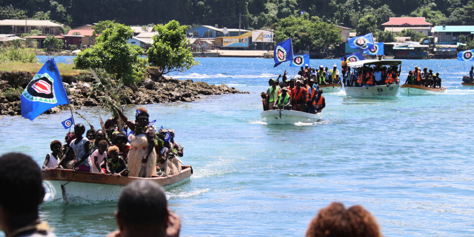 Valsedlarna lastades på båtar i ögruppen. Arkivbild.