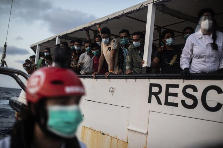 Över 240 migranter omhändertagna av Tunisien
