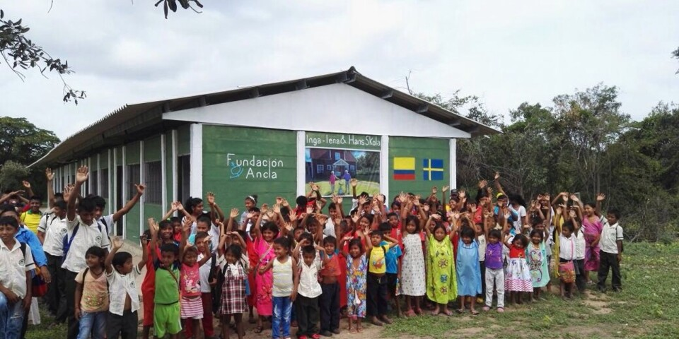 ... och gav 300 000 kronor till förmån för skolprojekt i Sydamerika.