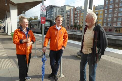 På rundvandring med Växjös nya trygghetsvärdar