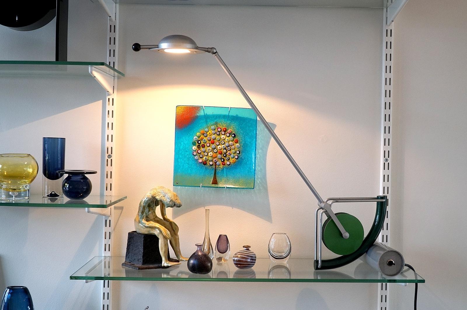 Lampor hör till Johan Stavåsens favoritdetaljer i inredningen. Han menar att rätt ljussättning har stor betydelse för intrycket.