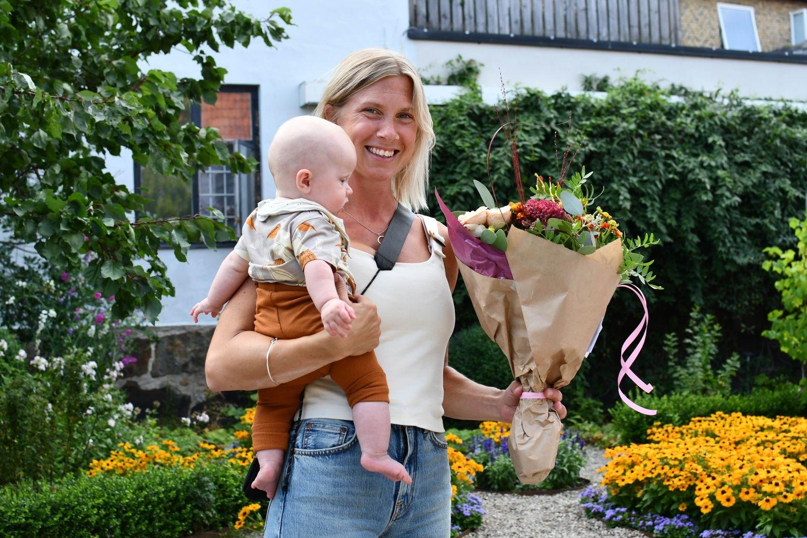 2020 års föreningsledarstipendiater är Tove och CarlJohan Wåhlin, konstnärliga ledare för Scen Österlen. På bilden syns Tove med parets dotter Hedda.