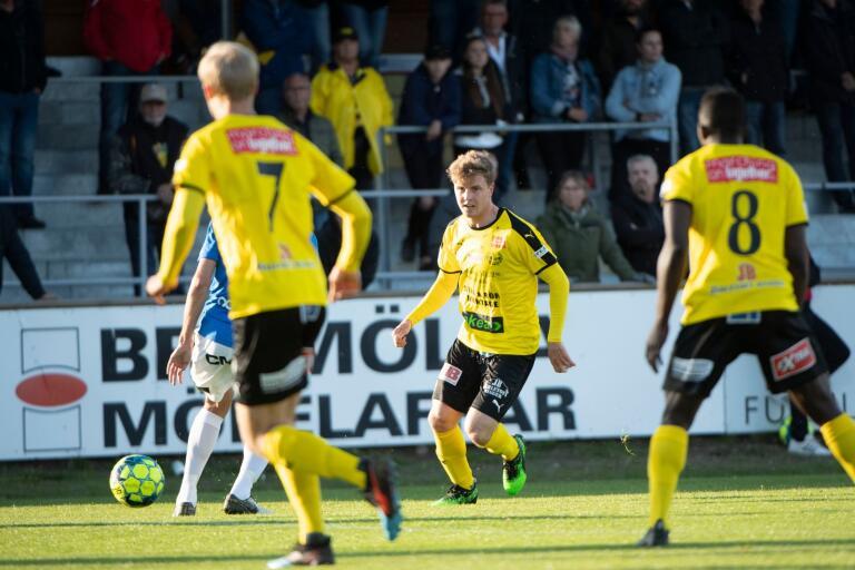 Hur ska säsongen sluta för Joel Nilsson och hans Mjällby AIF?