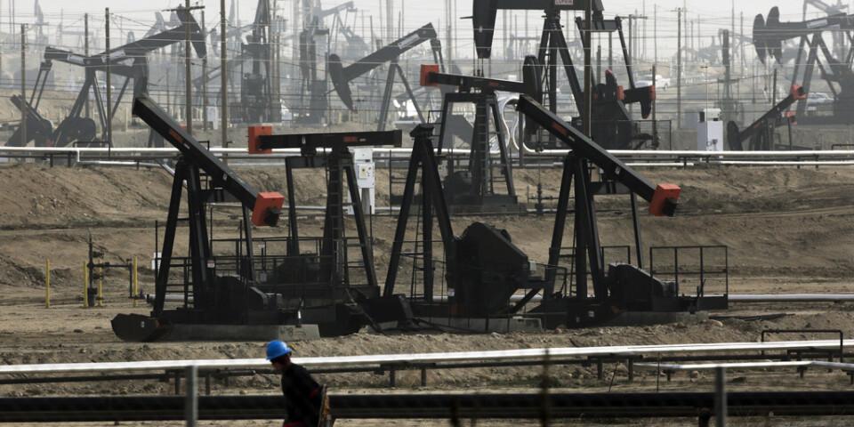 Halliburton tar en stor smäll i värderingen av tillgångar inom fracking-industrin till följd av vikande efterfrågan på olja och gas. Arkivbild.
