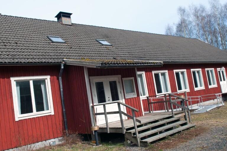 Försäljning av bygdegården kan dröja