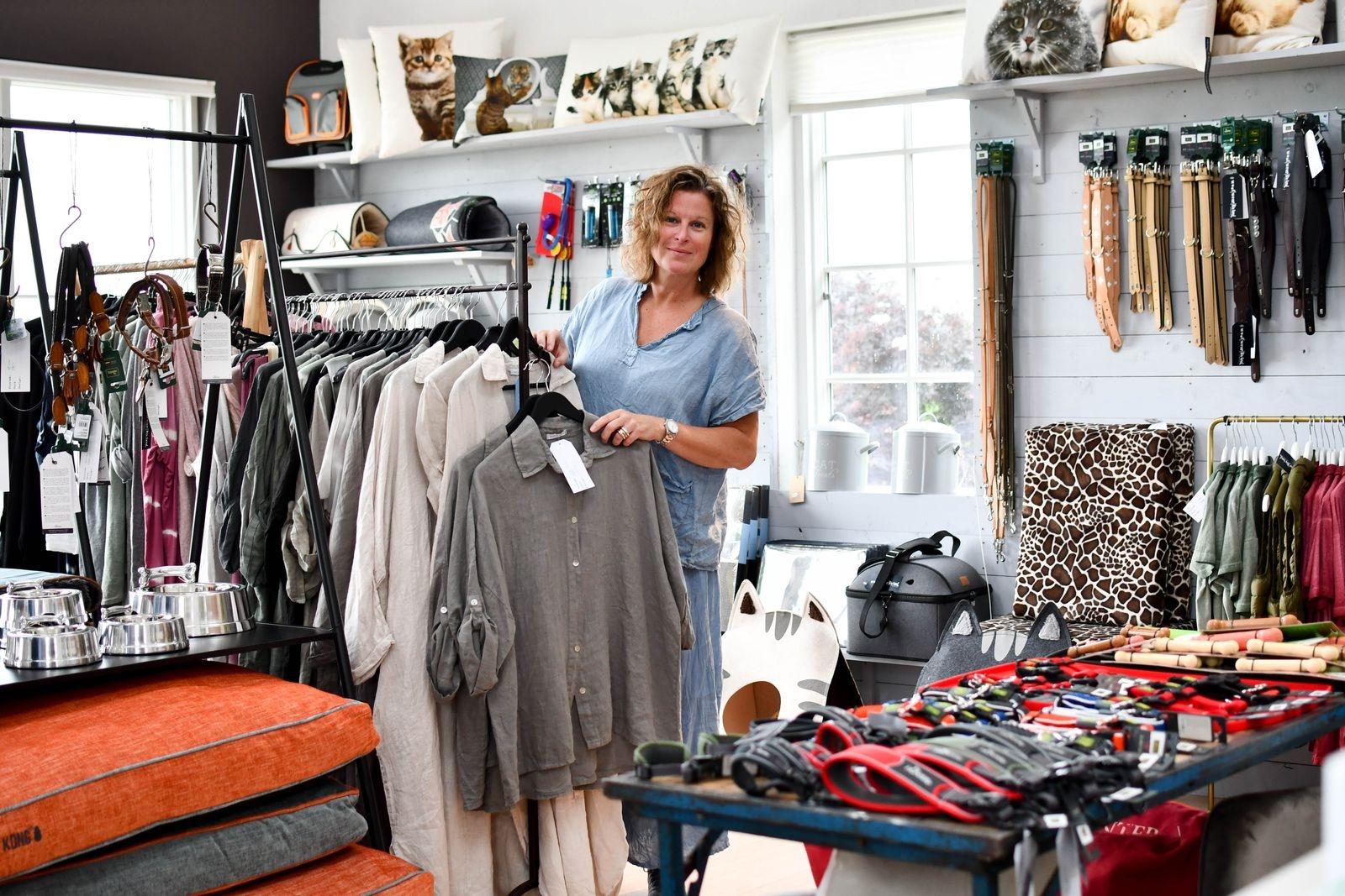 """""""Woof wear living har blivit ett jättekul tillskott här på Reunion"""" säger Maria Engström."""