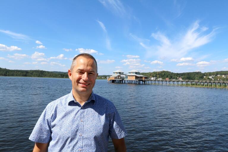 Mikael Levander (NU) har sytt ihop ett samarbete med C.