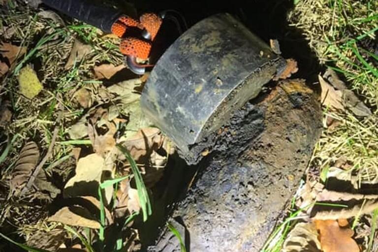Rostig granat hittad i vattendrag – sprängdes av tekniker