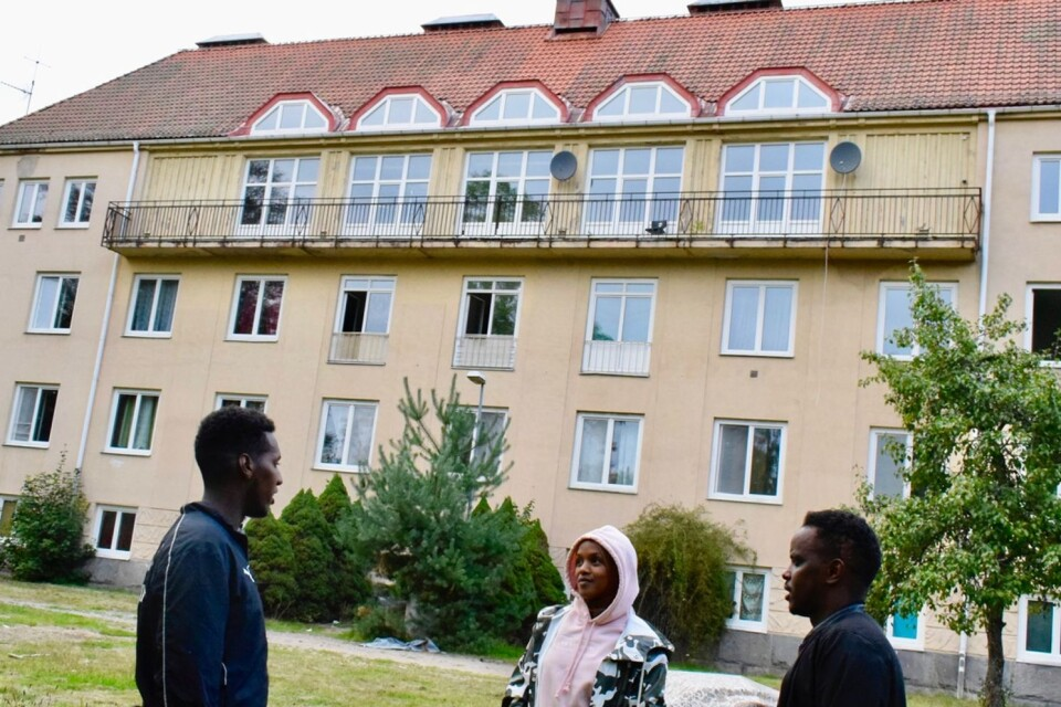 """Abdirahman """"Abdi"""" Ali, Yasmin Mahammud and Adan Mohammed have started the association Youth for the Future. Among other things they have helped unaccompanied young refugees at Brobysjukhuset with practical matters and built up a football roup."""