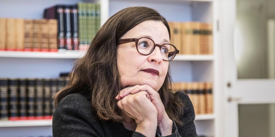Utbildningsminister Anna Ekström (S) och januaripartierna saknar politik för nyanlända elever.