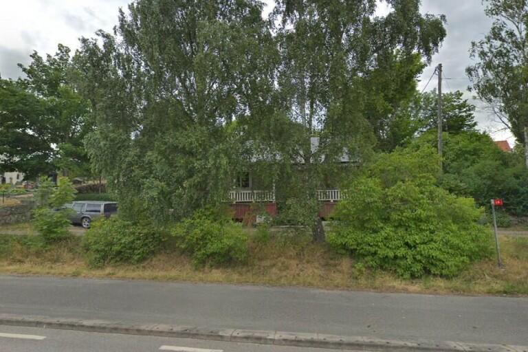 48 kvadratmeter stor stuga i Hällaryd, Trensum såld för 360000 kronor