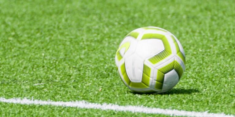 Fotboll: Klartecken för de lägre fotbollsserierna