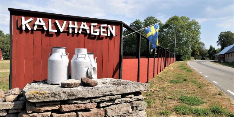 Inga evenemang, men väl ställplats blir det i Kalvhagen. Sista helgen i september ställer Stig Karlsson ut konst i Galleri Hönshuset.