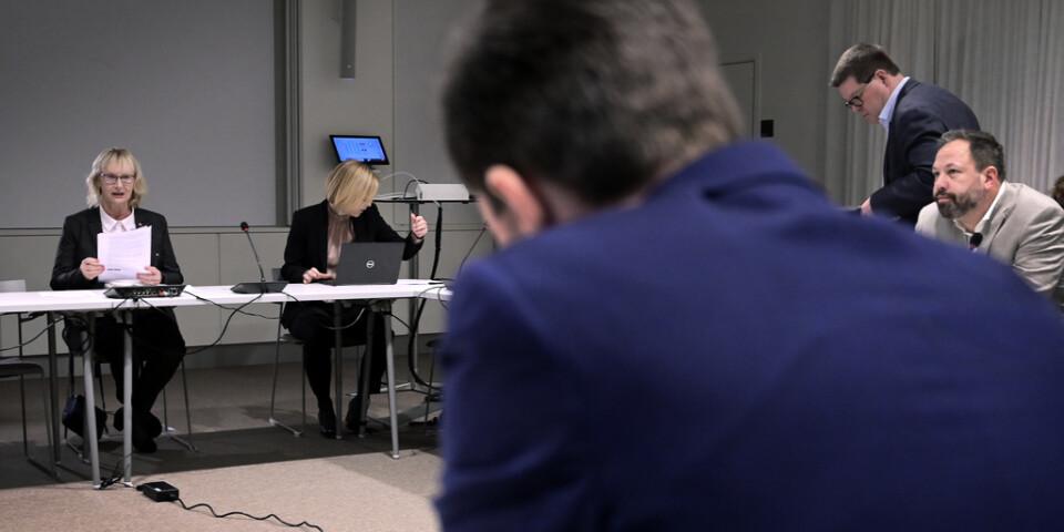 På tisdagens möte – civilminister Lena Micko (S) tar emot kommunalråd från olika delar i landet i Stockholm.
